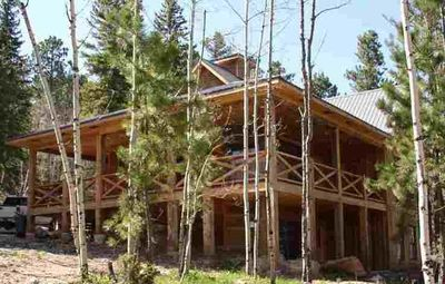 Private Gilded Mountain Cabin with great views.  Social distance in nature!