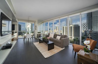 Icon Residences by Sunnyside Resorts - Modern High Rise 2/2 Apt with  Breathtaking River and City Views at Icon - Downtown Miami