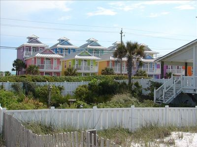 SummerTowne Cottage #6 Just a few steps to Pier Park. Best location on the beach