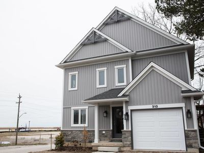 Photo for Newly built cottage by the beach! (Lower level)