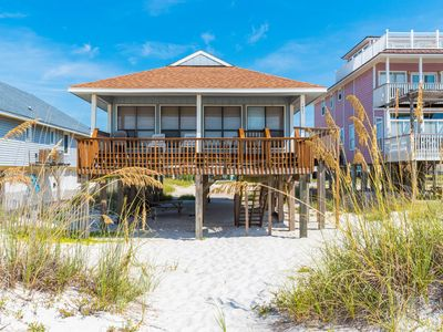 Pet Friendly Beachfront Charmer in the heart of Gulf Shores!