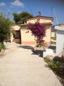Photo for Capo Vaticano delightful house with large garden and car parking