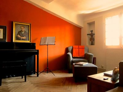 Photo for Spacious appartement in historical 17th century neighborhood, Quartier Mazarin