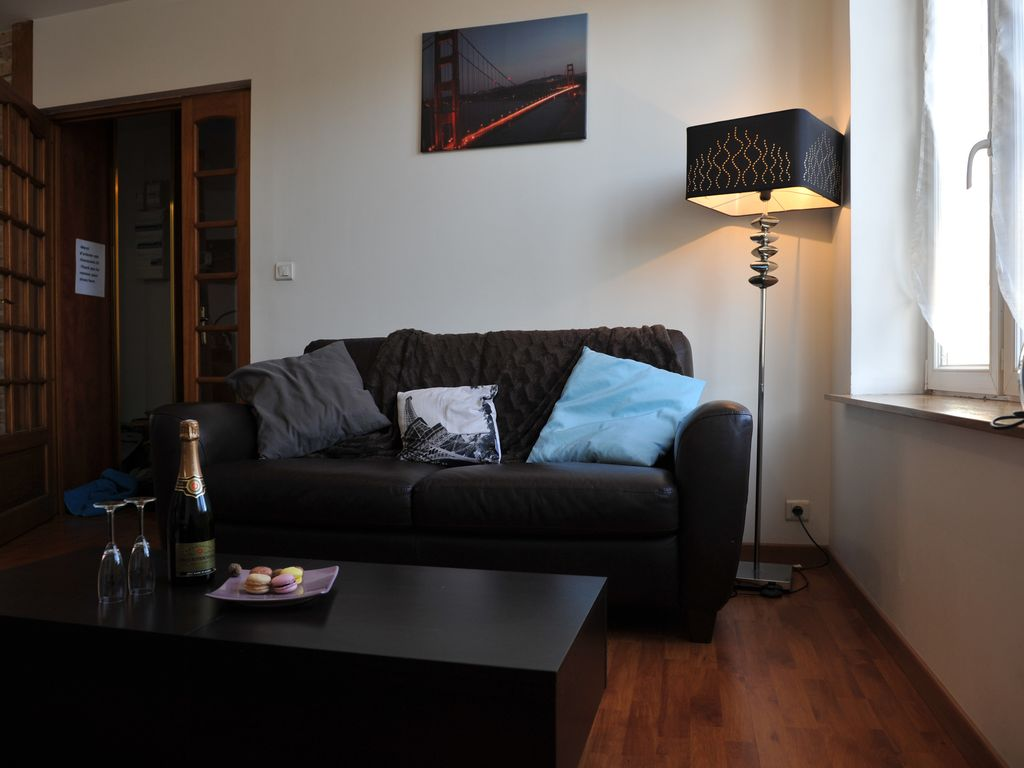 superb duplex apartment very well located 6 people with internet box and wifi