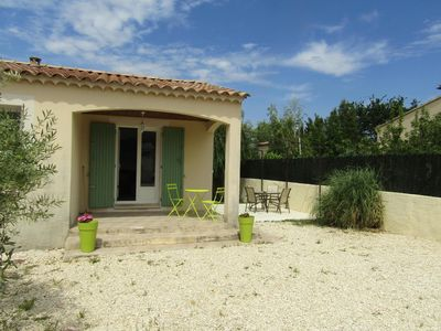 Photo for Small house at the foot of the Luberon