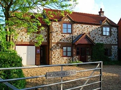 Photo for Self-catering Holiday Cottage In Holme Next The Sea, North Norfolk Coast 4-star.