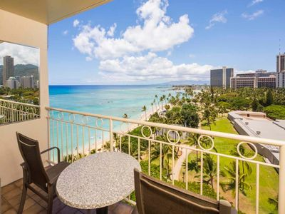 Modern Meets Tropics! Ocean View Suite w/Free WiFi, Kitchenette–Waikiki Shore  #1005