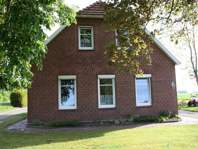 Photo for Beautiful holiday home with East Frisian charm for 4 persons in a quiet location