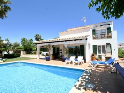 Photo for Villa by the sea with pool: charme and comfort
