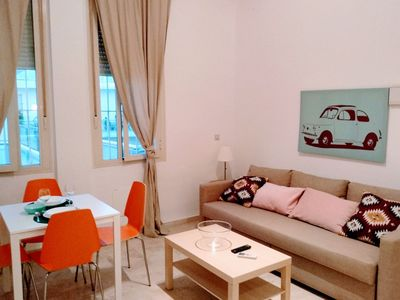 Photo for La Barqueta apartment in Macarena with WiFi, air conditioning & lift.