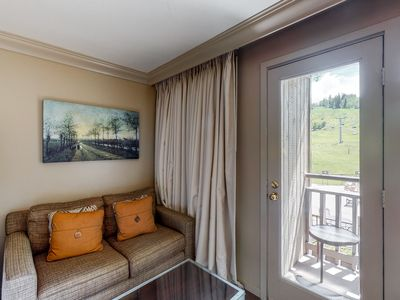 Photo for Room on 2nd floor w/ bus to slope access, 24-hour front desk, walk to lifts