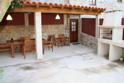 Varanda with barbecue with stunning views to the valley, river and mountains