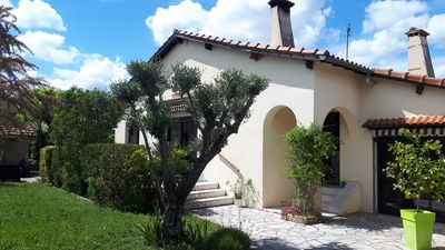 Photo for Charming villa in BERNIS, small pool, 6 people, near NIMES and beaches