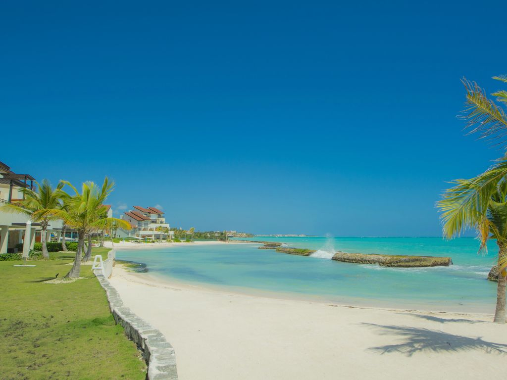 Luxury beachfront 1st line punta cana cap c homeaway for Vacation rentals in punta cana