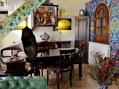 Photo for Vintage style with wide spaces located in Naples historical downtown. Can accommodate up to 5 guests