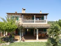 A lovely villa and pool in a peaceful location within easy reach of the most beautiful beaches.