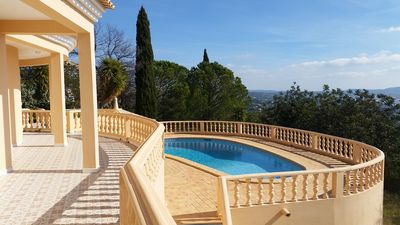 Photo for Villa with beautiful panoramic view in Algarve