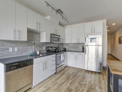 Photo for Belltown Waterfront Suite 1BD 3 F