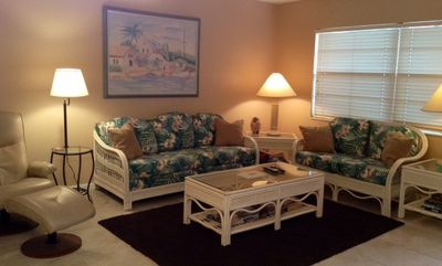 Photo for Wow! $107/N (Spec.Season) 7 nights. Cozy Beachside Unit ~100 Steps to the Beach!