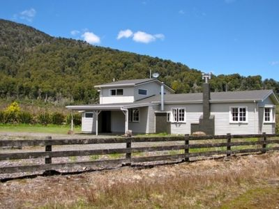Photo for Mountain Max's Lodge in Tongariro National Park