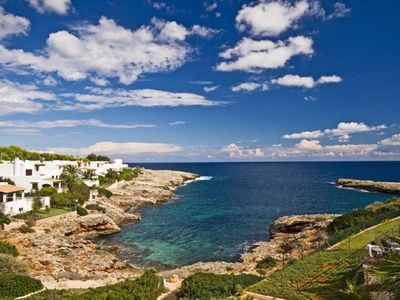 Photo for Cute little house with superb sea view and direct access to a cove