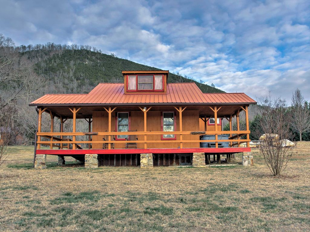 Explore The Blue Ridge Mountains When You Stay At This 1 Bedroom, 1