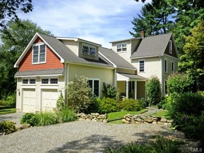Bright Stylish Chic 4BR 4BA Home Close to Greenwich CT Beach and Shops