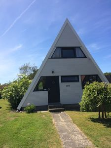 Photo for Chic, beachfront holiday home, top location, Wi-Fi, bikes, garden, parking at the house