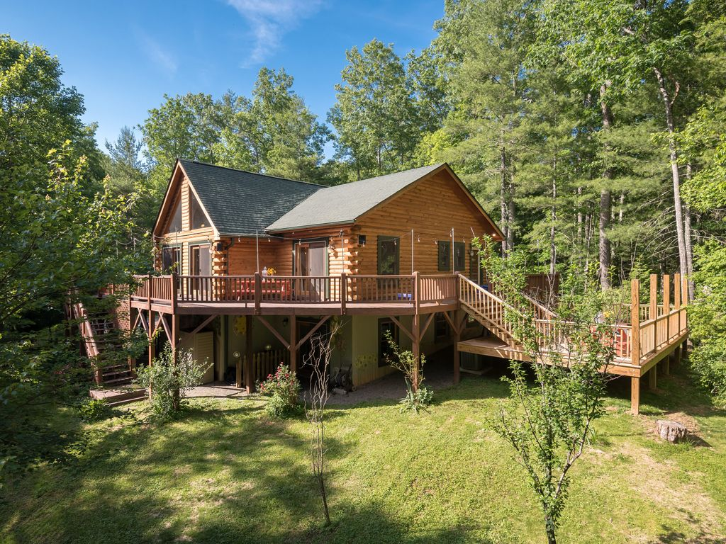 Secluded, w/hiking trails, pet friendly, sl... - HomeAway