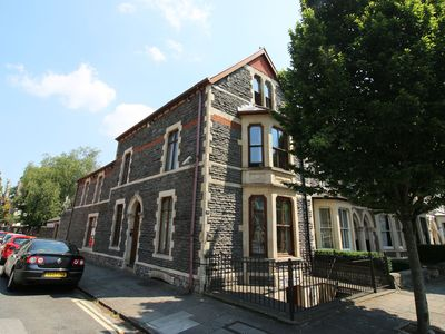 Photo for Victorian townhouse near the City Centre in Cardiff. The perfect location for a family or friends ge