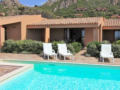 Photo for Villetta Li Chessi Verde, pool, air conditioning, wifi, just 250 meters from the sea