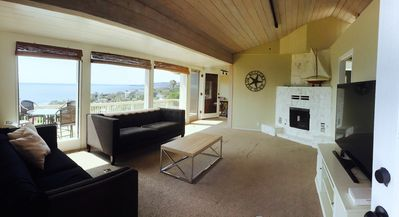 Photo for Stunning ocean view with beach access