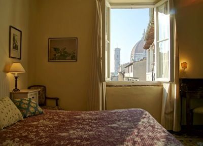 Photo for Lovely apartment just 200 mt from Duomo, fully equipped, wonderful view of Duomo, free wi-fi