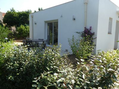 Photo for Between Cannes and St Tropez, small new air-conditioned villa with 2 rooms