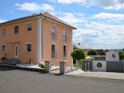 Photo for 65 m² family-friendly apartment in the heart of Unterfranken