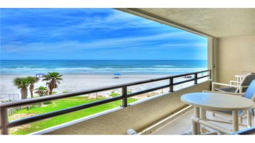 Kingston Tower Condos, Daytona Beach Shores, FL, USA