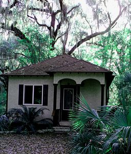Photo for Quiet, Secluded Cottage, Close to Sapelo, Bird watch, nature, Kayaks/Free wi-fi!