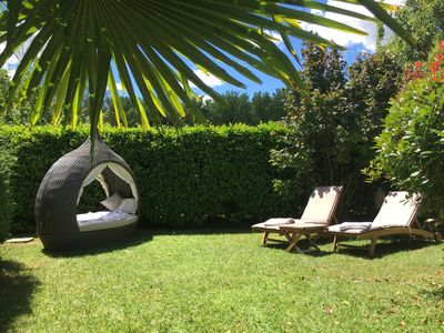 Photo for Charmingly furnished house in the Luberon Provence at the golf course