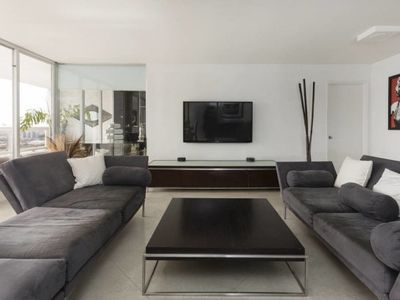 Photo for Spacious 2br condo with south side city and bay view, Miami.2654