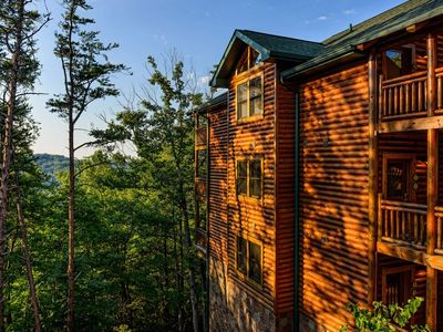 Photo for Sept Mountain Views, 1BD/1BA Sleeps 4, Fall Car Show, Westgate Smoky Mt Resort