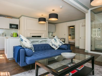 Photo for Spacious 1 Bedroom Apartment Near Oxford Street