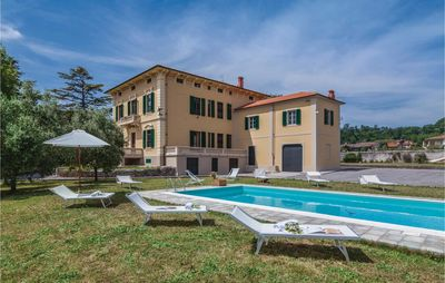 Photo for 6 bedroom accommodation in Lucca LU
