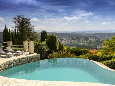 Photo for Villa with panoramic views in walking distance to Vence
