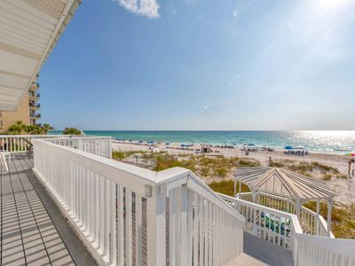 Photo for 4bd/4ba on the Beach!  Private Hot Tub!  Sleeps up to 24!