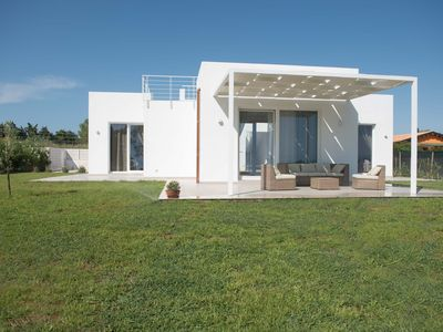 Photo for Independent villa 100 meters from the beach of Lido Fiori - Menfi
