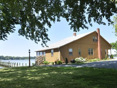 Photo for River Lodge, Casual Riverfront setting - SPECIAL WINTER RATES