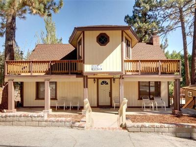 Photo for 5 big bedrooms! Indoor Spa. Pool Table. Close to Lake and Village.