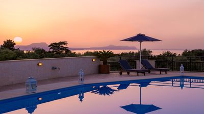 Photo for Private Holiday Villa With Amazing Views & Large Private Pool (Rithymna Mansion)