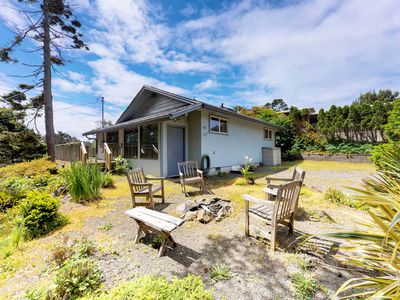 Photo for Family-friendly house w/entertainment & fireplace-walk to the beach
