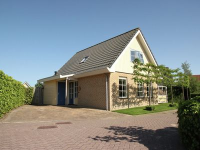Photo for Attractive, detached holiday home in small-scale holiday park